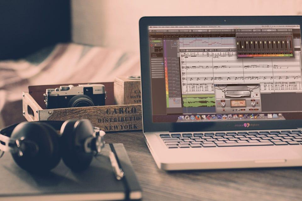 Musica Digitale Midi Un Macbook è un'orchestra sinfonica